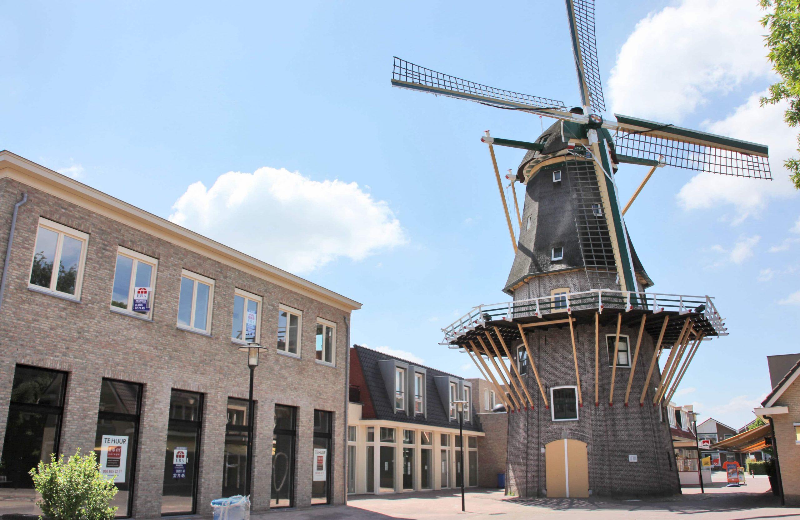 Aalsmeer-woonwinkelcentrum-Praamplein-